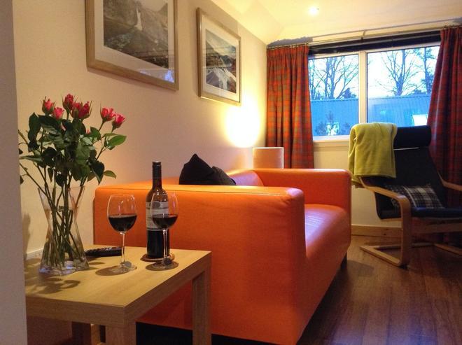 Dower House Newtonmore B&B - Newtonmore - Living room