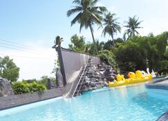 River Nature Hotel - Surat Thani - Piscina