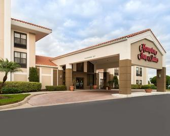 Hampton Inn & Suites Orlando/East UCF Area, FL - Orlando - Building