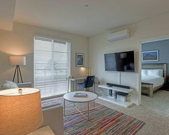 New 2BR Urban Flat in Foster City #businesstravel - Foster City - Living room