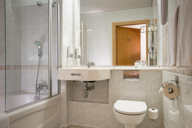 HP Park Plaza - Wroclaw - Bathroom