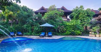 Sri Phala Resort And Villa - Denpasar - Pool