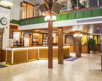 Hotel Seaport - Turku - Receptionist