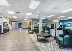 Quality Inn and Suites Mtn Home - Mountain Home - Lobby