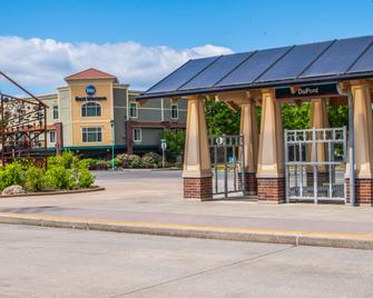 Best Western Liberty Inn DuPont - DuPont - Gebäude