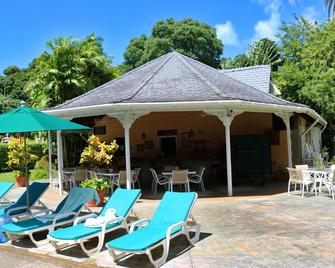 Plantation Beach Villas - Black Rock - Patio
