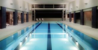 Pullman Auckland Hotel & Apartments - Auckland - Piscina