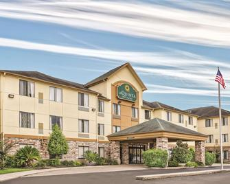 La Quinta Inn & Suites by Wyndham Houston North-Spring - Spring - Κτίριο