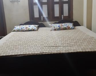 戈魯姆戈安納普爾納巴克蒂尼瓦斯普里飯店 - 普里 - 臥室