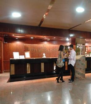 Santa Monica Playa - Salou - Front desk