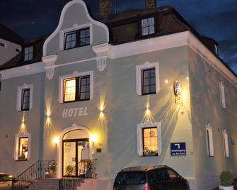 Hotel Restaurant Franziska - Straubing - Gebouw