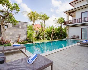 Amelle Villas & Residences Canggu - North Kuta - Pool