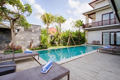 Amelle Villas & Residences Canggu - North Kuta - Bể bơi