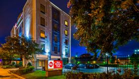 Best Western Plus Gen X Inn - Memphis - Edificio