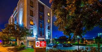 Best Western Plus Gen X Inn - Memphis - Building