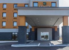 Quality Inn & Suites - Kingston - Building