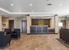Quality Inn & Suites - Kingston - Rezeption
