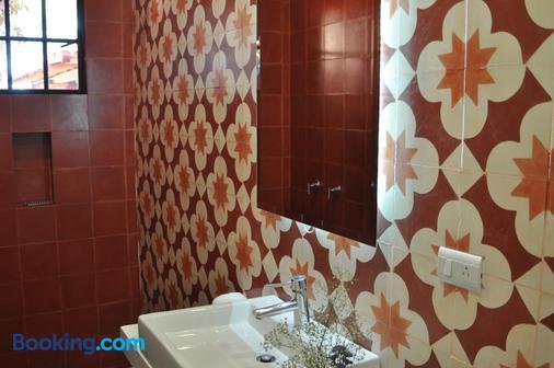 La Betulia Bed And Breakfast - Oaxaca - Bathroom