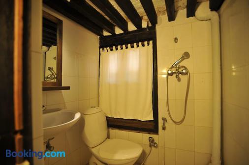 孔雀旅館 - 巴克塔普爾 - Bhaktapur - 浴室