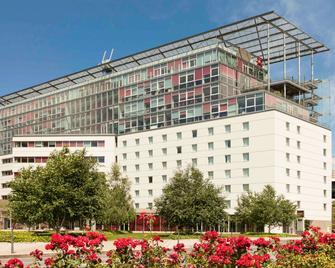 ibis Lyon Caluire Cité Internationale - Caluire-et-Cuire - Building
