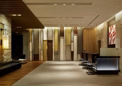 Mitsui Garden Hotel Osaka Premier - Осака - Лобби