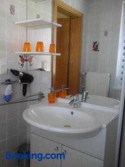 Janettes-Gästehaus - Bad Doberan - Bathroom