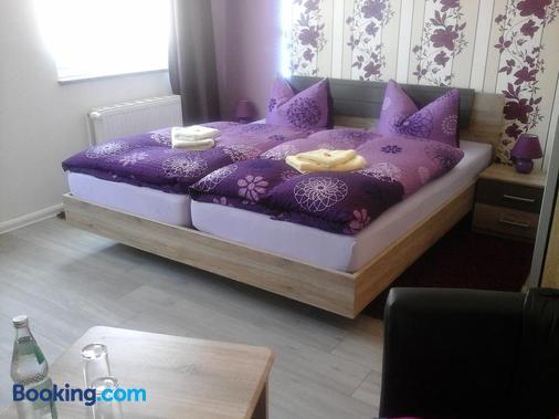 Janettes-Gästehaus - Bad Doberan - Bedroom