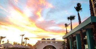 Torre Lucerna Hotel Ensenada - Ensenada - Bể bơi