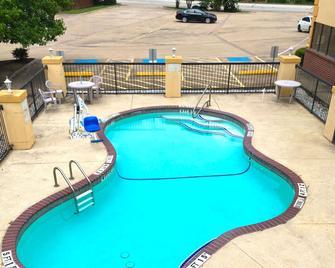 Americas Best Value Inn & Suites Kilgore - Kilgore - Pool
