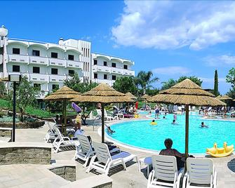 Park Hotel Valle Clavia - Peschici - Pool