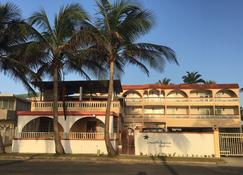 Luquillo Sunrise Beach Inn - Luquillo - Gebäude