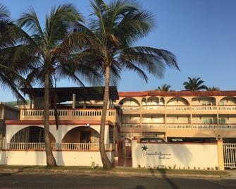Luquillo Sunrise Beach Inn - Luquillo - Edificio