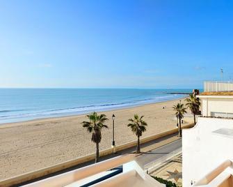 Hotel Monterrey Costa - Чипіона - Balcony