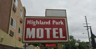Highland Park Motel - Los Angeles - Outdoors view