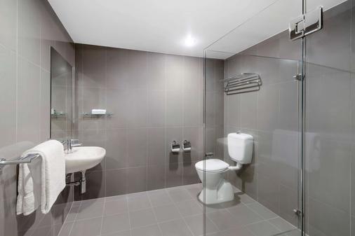 Adina Serviced Apartments Canberra Dickson - Dickson - Bathroom