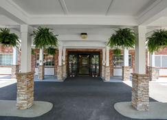 Country Inn & Suites by Radisson, Charlotte I-85 - Charlotte - Building