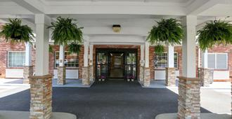 Country Inn & Suites by Radisson, Charlotte I-85 - Charlotte - Rakennus