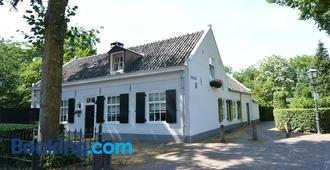 Huys en Hoff - Oirschot - Edificio