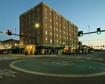 Tioga Extended Stay Hotel - Chanute - Gebouw