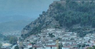 Guest House Pashollari - Berat - Outdoor view