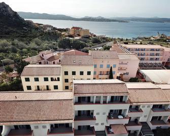 Blu Baita - La Maddalena - Building