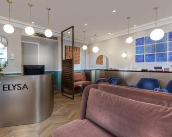 Hotel Elysa-Luxembourg - Paris - Front desk