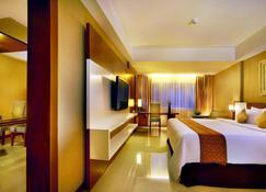 Aston Tanjung Pinang Hotel and Conference Center - Tanjung Pinang - Bedroom