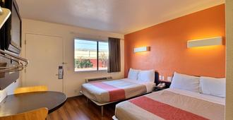 Motel 6 Laredo South - לארדו - חדר שינה