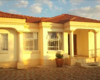 Turquoise View Guesthouse - Middelburg (Mpumalanga) - Building