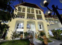 Gartenhotel & Weingut Pfeffel - Durnstein - Building