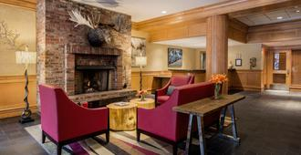 Whistler Village Inn And Suites - וויסלר - טרקלין