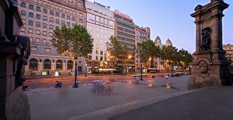 Olivia Plaza Hotel - Bác-xê-lô-na - Toà nhà