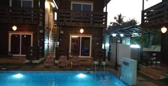 Wenzet Cottages - Morjim - Pool