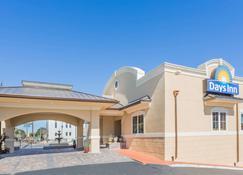 Days Inn by Wyndham Pensacola - Historic Downtown - Pensacola - Building